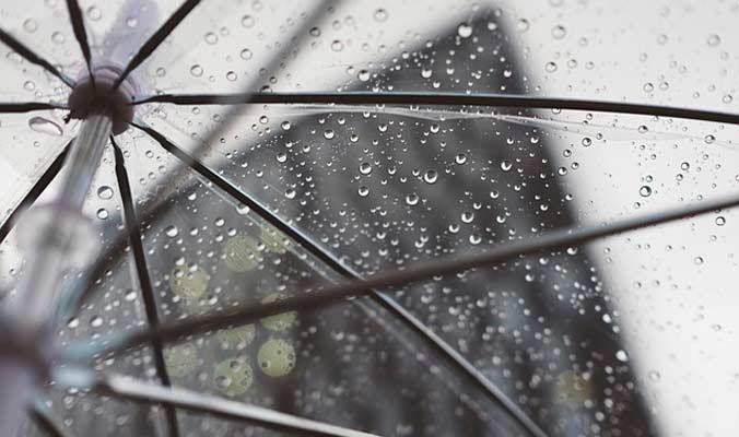Shade Sails Vs. Umbrellas